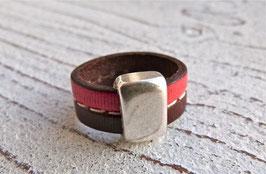 Lederring in braun und rot mit Zamak Element