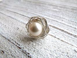 Ring Nest aus Silberdraht mit Kristall Perle und einer Edelstahlringschiene