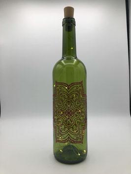 Weinflasche mit Lettering und Korken-Lichterkette (Ornament)