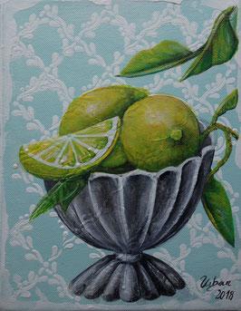 Zitronen in Siberschale
