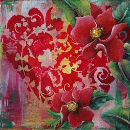 Herz mit roten Blüten