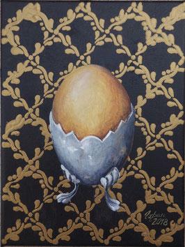 Ei im Silbergefäß