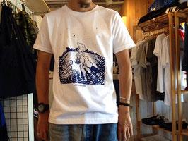 and wander(アンドワンダー)TAKIBI printed T(white)