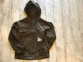 and wander(アンドワンダー) light rain jacket 2