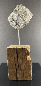 Eichenbalken mit Granitstein
