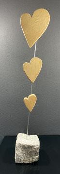 Granitstein mit Herzen
