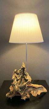 Lampe aus Eichenwurzel