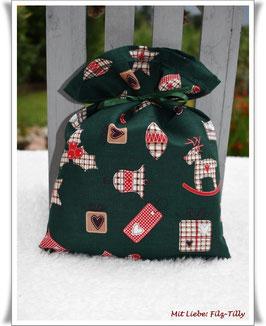 """Geschenksäckchen """" karierte Weihnachtsmotive auf grün"""" / Baumwolle"""