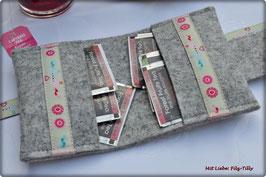 Teebeutel - Etui aus Filz mit dem Webband Liebesvögel rosa-hellblau
