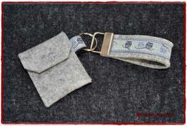Schlüsselanhänger & Täschchen im Set / Eulen grau