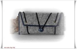 Tolles Etui aus Wollfilz für allerlei Frauenkram - grau-meliert/dunkelblau