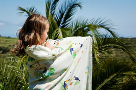 Bamboo swaddle - toucans
