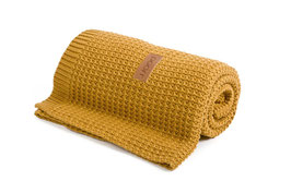 Honey knitted blanket