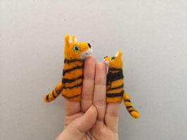 Fingerpuppe goßer Tiger und Baby Tiger