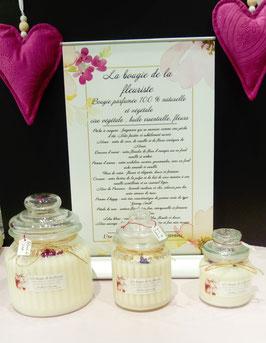 """""""La bougie de la fleuriste"""" parfum cocosun aux huiles essentielles."""