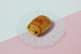 Magnet Pain au chocolat - miniature de collection sur commande