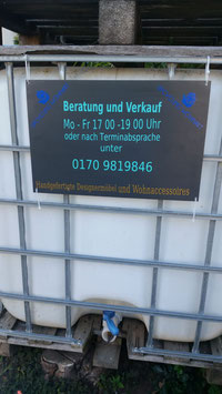 Marketingschild mit Logo