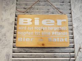 "Schild ""Bier = Salat"""