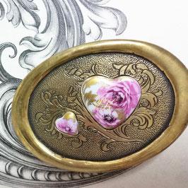 Gürtelschnalle - Porzellanherzen Rosen mit Goldornament