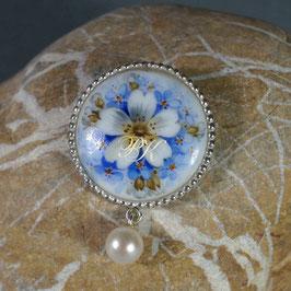 Schmuckanhänger - Weisse Blüte silbergefasst mit Perle