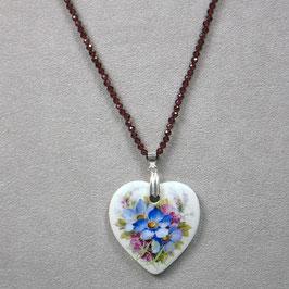 Herzmedaillon , Bukett blau/purpur Blüten