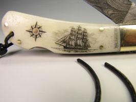 Damaszener Messer mit Scrimshaw-Gravur und Filework #DK6