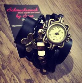 Wickelarmband schwarz mit Uhr und Schmetterlingsanhänger