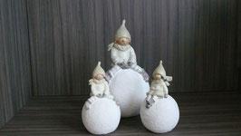Santa Kids creme-silber auf Kugel