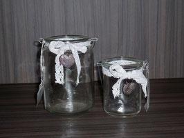Windlichtglas mit Spitzenband