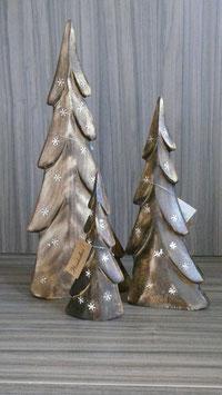 Tannenbaum Holz mit Schneeflocken