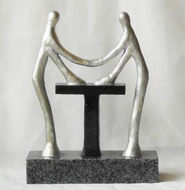 """Skulptur """"Der entscheidende Händedruck"""""""