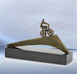 """Skulptur """"Der Weg ist das Ziel"""""""