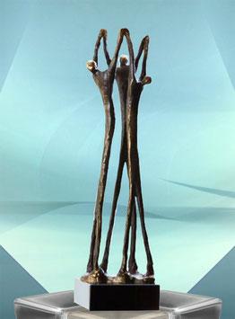 """Skulptur """"Niveauvolle Zusammenarbeit"""""""
