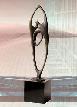 """Bronzeskulptur """"Gewachsene Zusammenarbeit"""""""