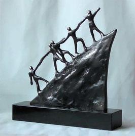 """Bronzeskulptur """"Der Weg nach vorne"""""""