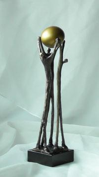 """Skulptur """"Vereinte Zusammenarbeit"""""""