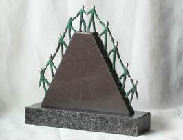 """Skulptur """"Der gemeinsame Weg zum Erfolg"""""""