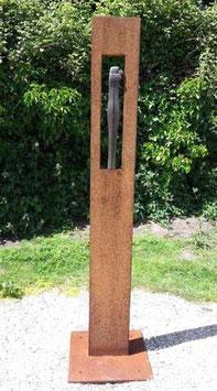 "Skulptur aus Eisen und Keramik ""Umarmung lang"" 200 cm"