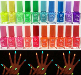 TREND Neon-Leuchtfingernagellack - for night time!