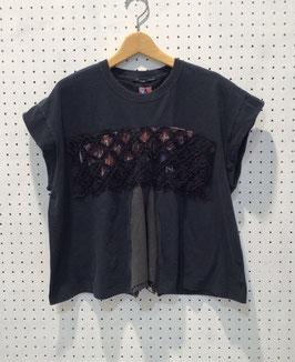 YuumiARIA EMBROIDARY Tシャツ