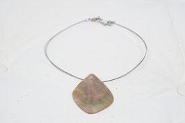 Halskette mit Muschelanhänger