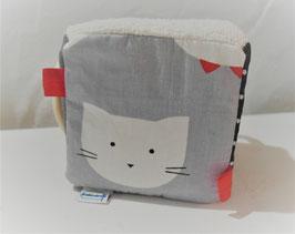 Cube d'éveil - chat gris