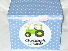 zweiter Name, Geburtsdatum, Datum für Hochzeitsgag, Kindergartenstart oder 1. Schultag auf die Erinnerungsbox oder Stiftebox