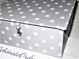 graue Sterne, kleine Schatzkiste, personalisiert