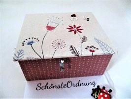 Blumenwiese in altrosa und grau, Schmuck-Turm, Kästen gestapelt, stabile Schmuckbox, personalisierbares Kommunions-Geschenk