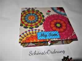 personalisierte  Kinderschmuck-Schatulle, Schatzkästlein, bunte Mandalas