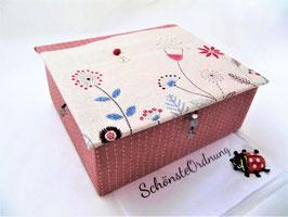 sehr großer  Schmuckkasten mit Blumenwiese in altrosa und grau, ein großartiges Mädchen-Geschenk, personalisierbar