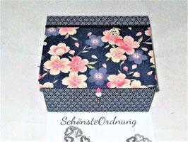 Kirschblüten auf Blau, große Schmuck-Aufbewahrungsbox mit Einsatzbox, personalisierbar