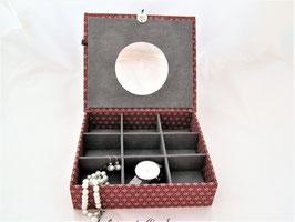 Asanoha rot,  mittelgroße Schmuckschatulle personalisierbar, in Japanstoff, individuelle Ausstattung