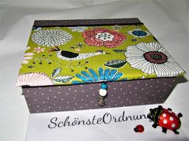 Fantasia Blumen und Vögel - grau und bunt, personalisierte  Kinderschmuck-Schatulle , Schatzkästlein